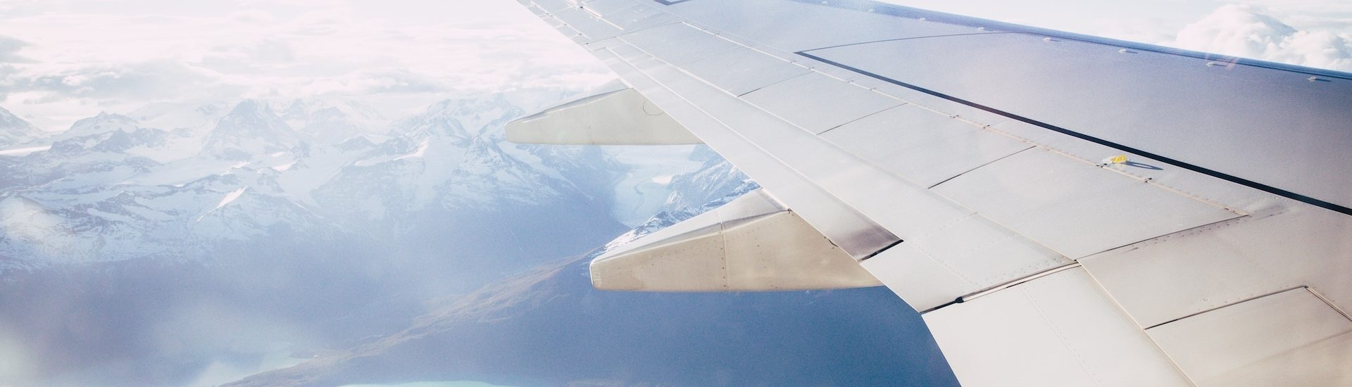 Here's the perfect skincare in-flight routine to salvage your skin at 40,000 ft.