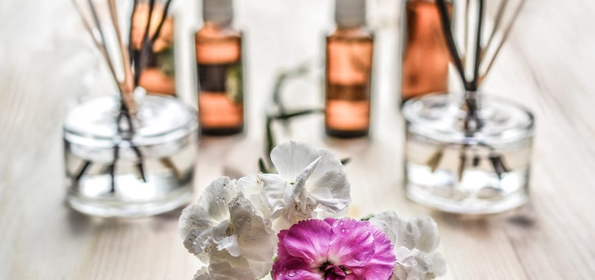 """4 Spring Secrets for Radiant Skin: Get Ready to Glow. How to get rid of dullness and uneven texture just in time for Summer. Do the """"no makeup look"""" without the need of any makeup."""