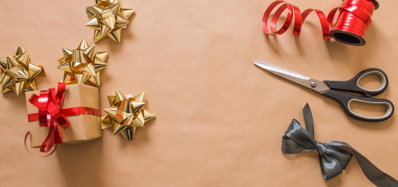 Free printable Christmas plaid gift tags